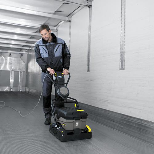 Trailer system cleaning step 3 BR 40 app 2 CI15 106878 150DPI - ELABORACIÓN DE PRODUCTOS DE PANADERÍA Y PASTELERÍA